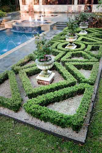 On the cheap renovations how to make your house look for Garden design houston