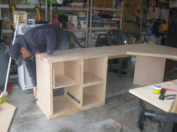 how to build a desk